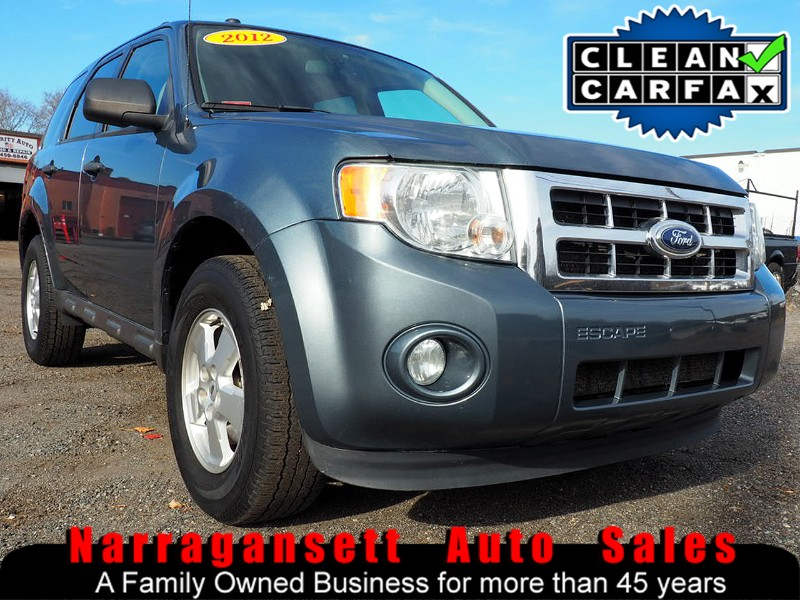 Photo 2012 Ford Escape XLT Auto Air Full Power Super Clean SUV Must See