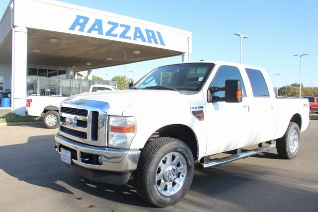 Photo Used 2010 Ford F-250 Truck Crew Cab in Merced, CA