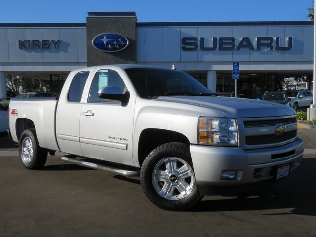 Photo Used 2011 Chevrolet Silverado 1500 LT in Ventura, CA