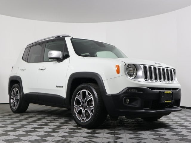Photo Used 2015 Jeep Renegade Limited SUV FWD for Sale in Stow, OH