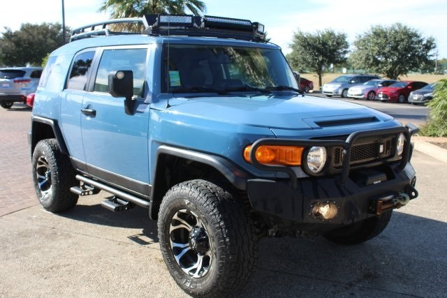 Photo Pre-Owned 2014 Toyota FJ Cruiser Base SUV For Sale