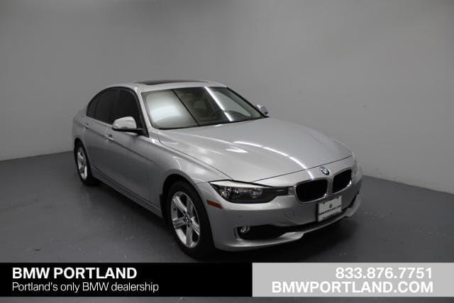 Photo Used 2014 BMW 3 Series 4dr Sdn 320i Xdrive AWD Car in Portland