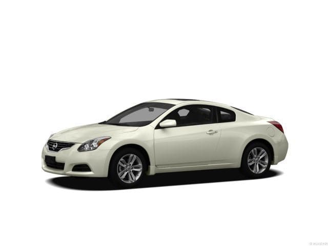 Photo Pre-Owned 2012 Nissan Altima 3.5 SR Coupe For Sale