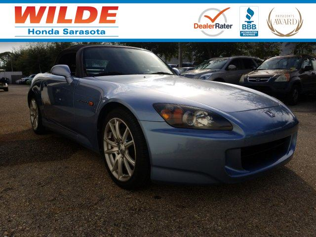 Photo Pre-Owned 2005 Honda S2000 Convertible