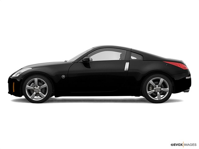 Photo Used 2007 Nissan 350Z For Sale  Martin TN