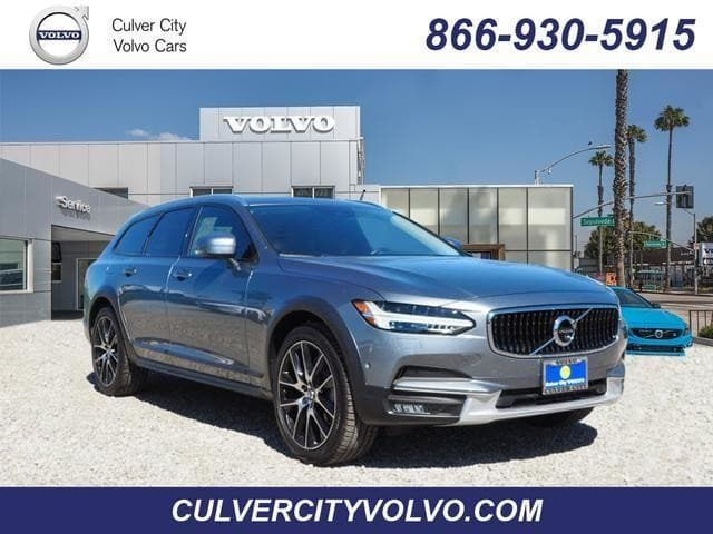 Photo Used 2017 Volvo V90 Cross Country T6 AWD Wagon in Culver City, CA