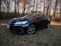 2015 Toyota Camry SE w/ Leather Trim Int. Rear Camera, Bluetooth, 26