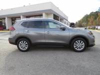 Pre-Owned 2018 Nissan Rogue SV FWD Sport Utility