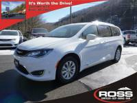 2018 Chrysler Pacifica Touring L Van in Boone