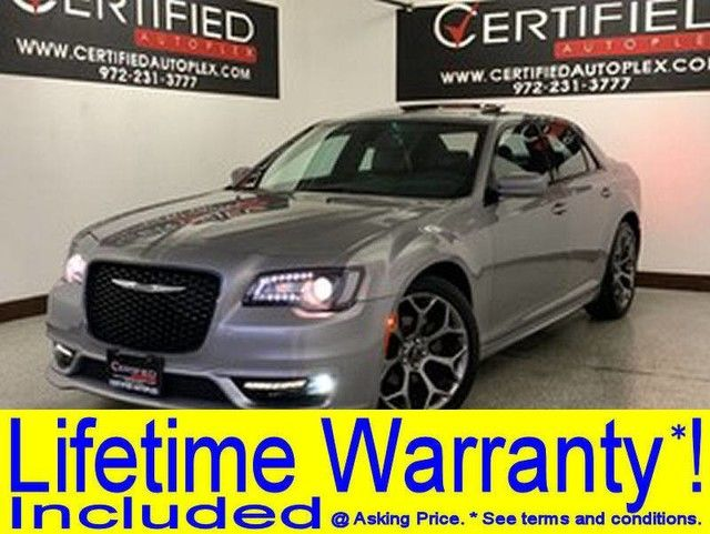 Photo 2017 Chrysler 300 S NAVIGATION PANORAMIC ROOF HEATED LEATHER SEATS REAR CAMERA SMART PHONE IN