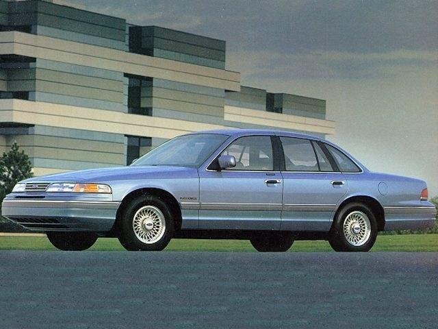 Photo 1995 Ford Crown Victoria LX Sedan near Houston in Tomball, TX