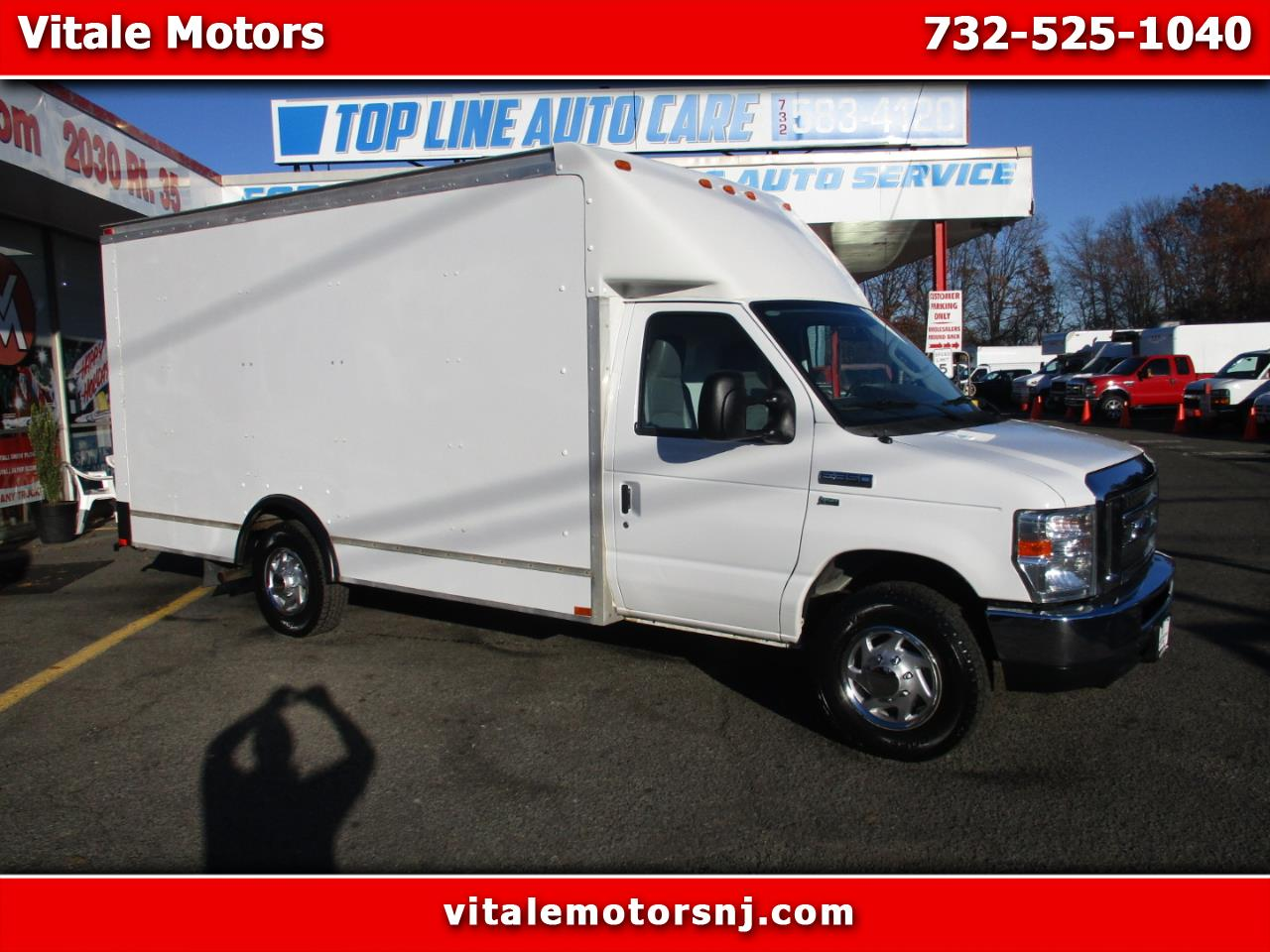 Photo 2012 Ford Econoline E-350 CUBE VAN 14 FOOT BOX TRUCK