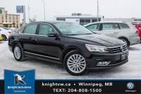Certified Pre-Owned 2017 Volkswagen Passat Comfortline w/ Leather/Sunroof 0.9% Financing Available OAC. FWD 4dr Car