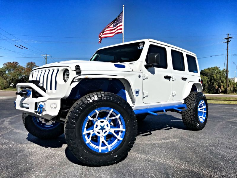 Photo Used 2018 Jeep All-New Wrangler Unlimited WHITE AND BLUE CUSTOM JL LEATHER LIFTED LOADED