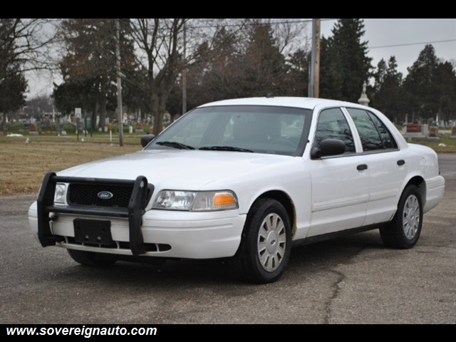 Photo 2010 Ford Crown Victoria Police Interceptor for sale in Flushing MI
