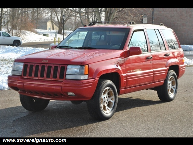 Photo 1997 Jeep Grand Cherokee Limited 4dr 4X4 for sale in Flushing MI