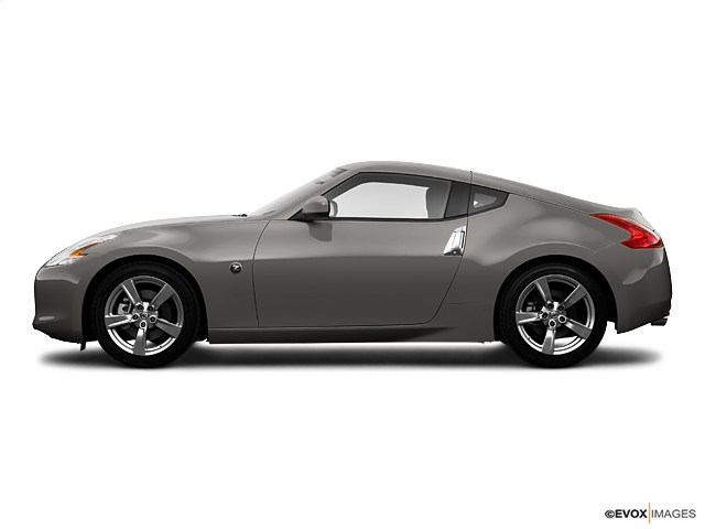 Photo Pre-Owned 2009 Nissan 370Z Touring Coupe in Greensboro NC