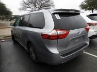2018 Toyota Sienna XLE Leather, Sunroof & Power Liftgate Van Passenger Van Front-wheel Drive 4-door