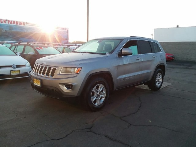 Photo 2015 Jeep Grand Cherokee Laredo 4x2 Long Beach, CA
