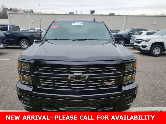 Photo Used 2015 Chevrolet Silverado 1500 LT Truck Double Cab 4WD for Sale in Stow, OH