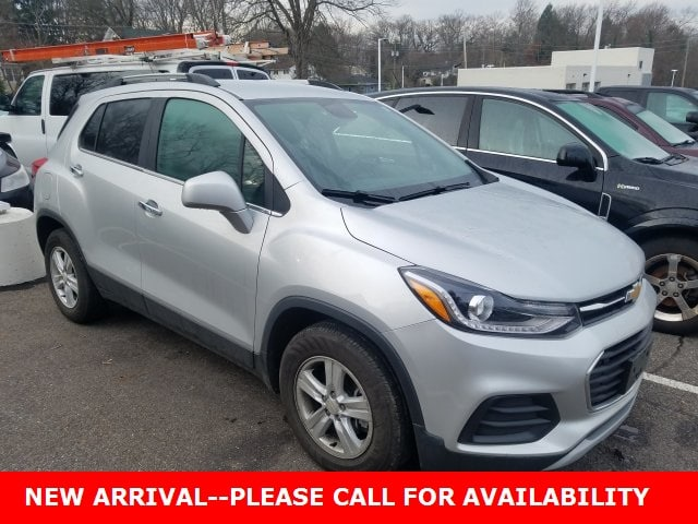 Photo Used 2017 Chevrolet Trax LT SUV FWD for Sale in Stow, OH