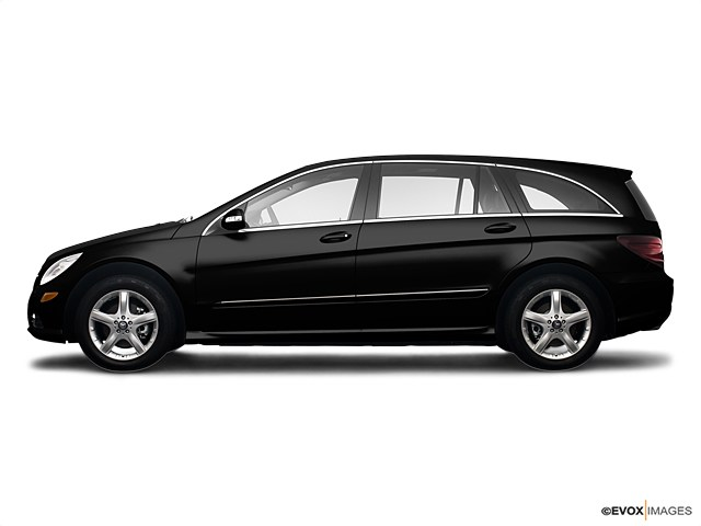 Photo Used 2009 Mercedes-Benz R-Class Base SUV For Sale Near Philadelphia