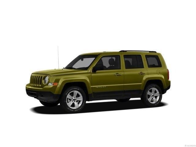 Photo 2012 Jeep Patriot Latitude 4x4 SUV For Sale in Madison, WI