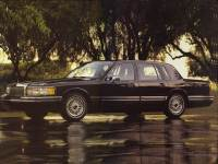 1993 Lincoln Town Car Signature Sedan Near Louisville, KY