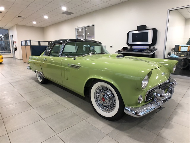 Photo Pre-Owned 1956 Ford Thunderbird