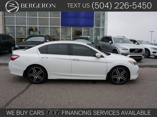 Photo 2017 Honda Accord Sport SE Sedan in Metairie, LA