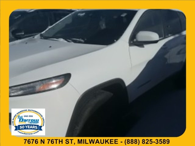 Photo 2018 Jeep Cherokee Latitude 4x4 SUV For Sale in Madison, WI