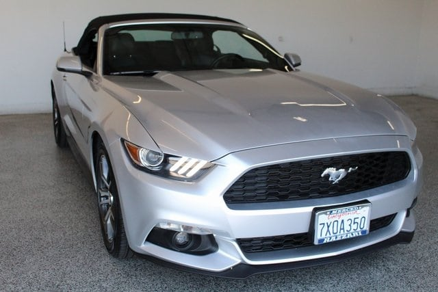 Photo Used 2017 Ford Mustang EcoBoost Premium Convertible in Merced, CA