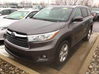 Certified Pre-Owned 2015 Toyota Highlander Limited Platinum AWD V6 Limited Platinum All-wheel Drive in Hiawatha, IA