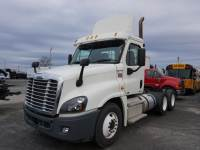 2012 Freightliner Cascadia Daycab 8 Cylinder