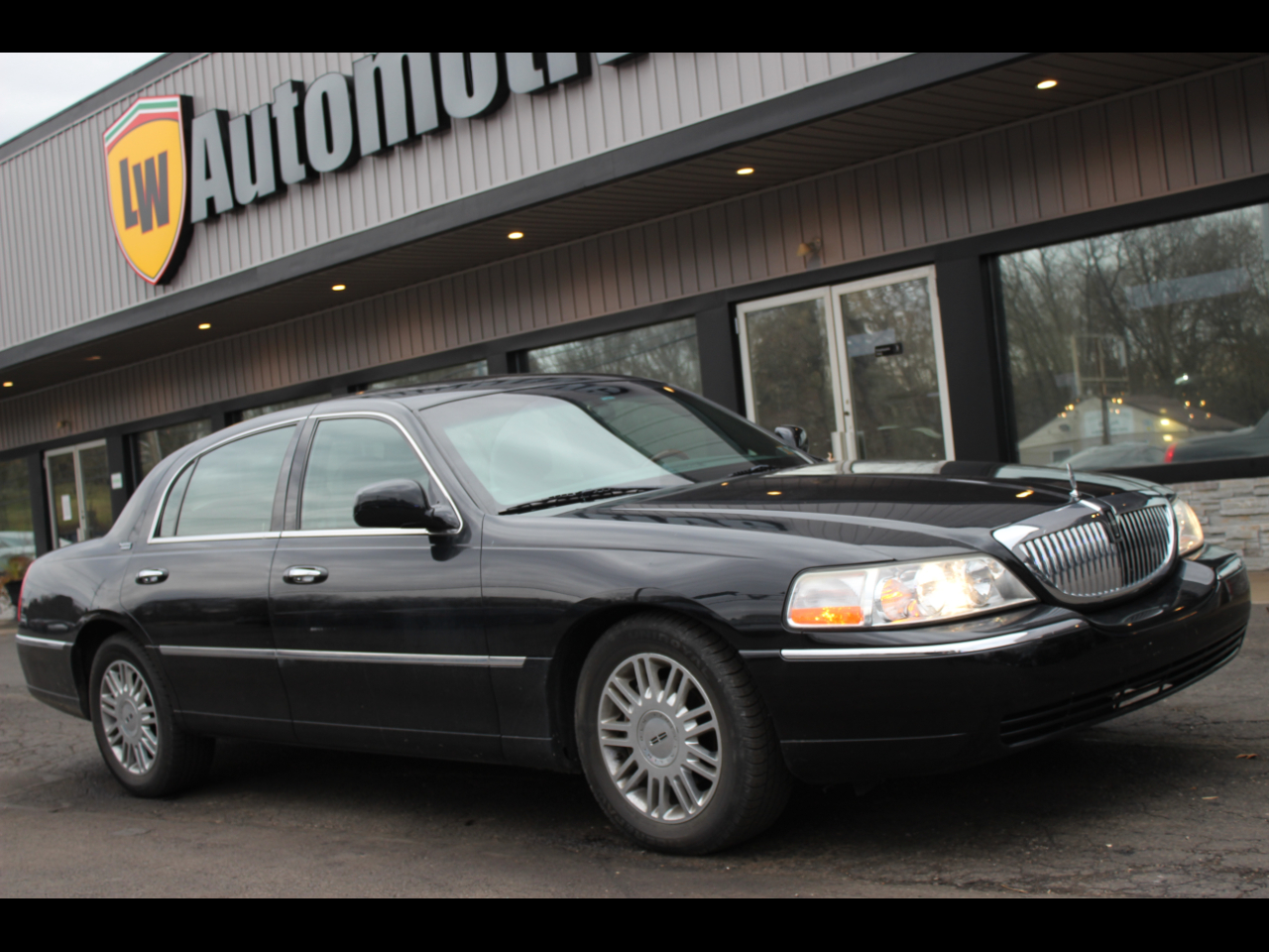 Photo 2007 Lincoln Town Car Signature Limited