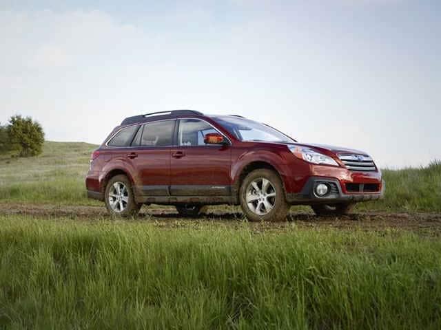 Photo Used 2014 Subaru Outback 4dr Wgn H4 Auto 2.5i Limited For Sale in Oshkosh, WI