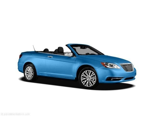 Photo Used 2011 Chrysler 200 Limited Convertible  Cincinnati