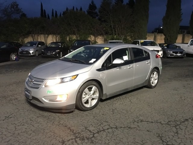 Photo Used 2015 Chevrolet Volt Hatchback For Sale in Fairfield, CA