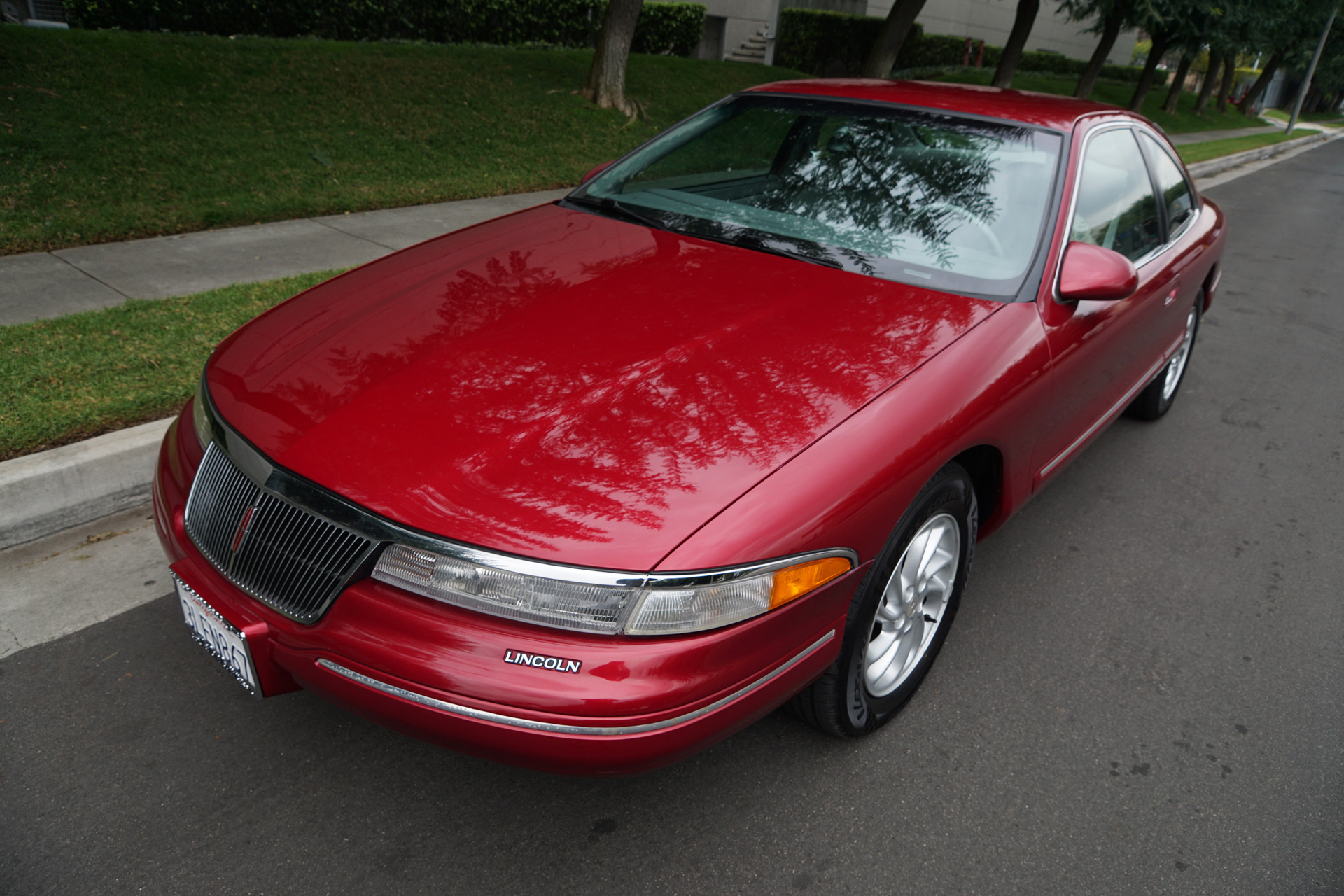 Photo 1995 Lincoln Mark VIII Coupe