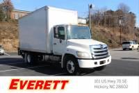 Pre-Owned 2011 Hino 258/268 20' Box w/ Liftgate Straight Truck