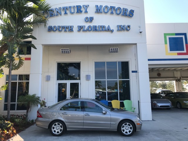 Photo 2005 Mercedes-Benz C-Class 3.2L C320 Leather Sunroof Nav 1 Owner CarFax