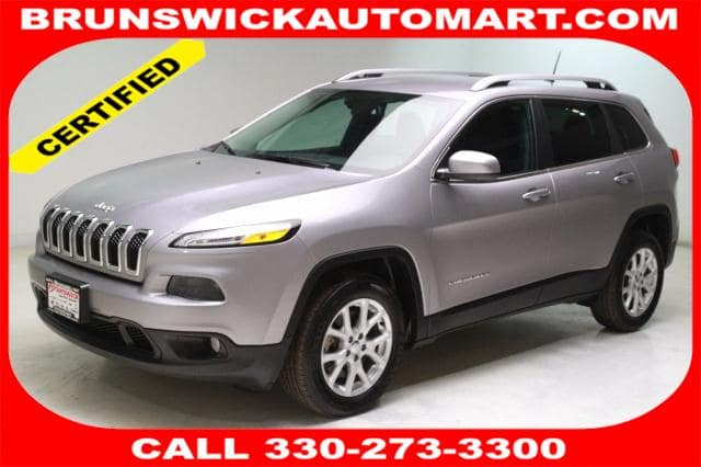 Photo Certified Used 2018 Jeep Cherokee Latitude FWD in Brunswick, OH, near Cleveland