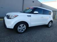 Certified Pre-Owned 2015 Kia Soul Base FWD Hatchback in Memphis