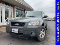 Pre-Owned 2005 Ford Escape XLT AWD
