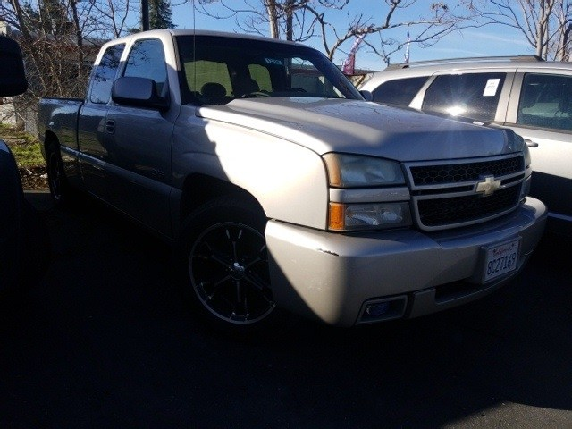 Photo 2006 Chevrolet Silverado 1500 SS Extended Cab Short Bed