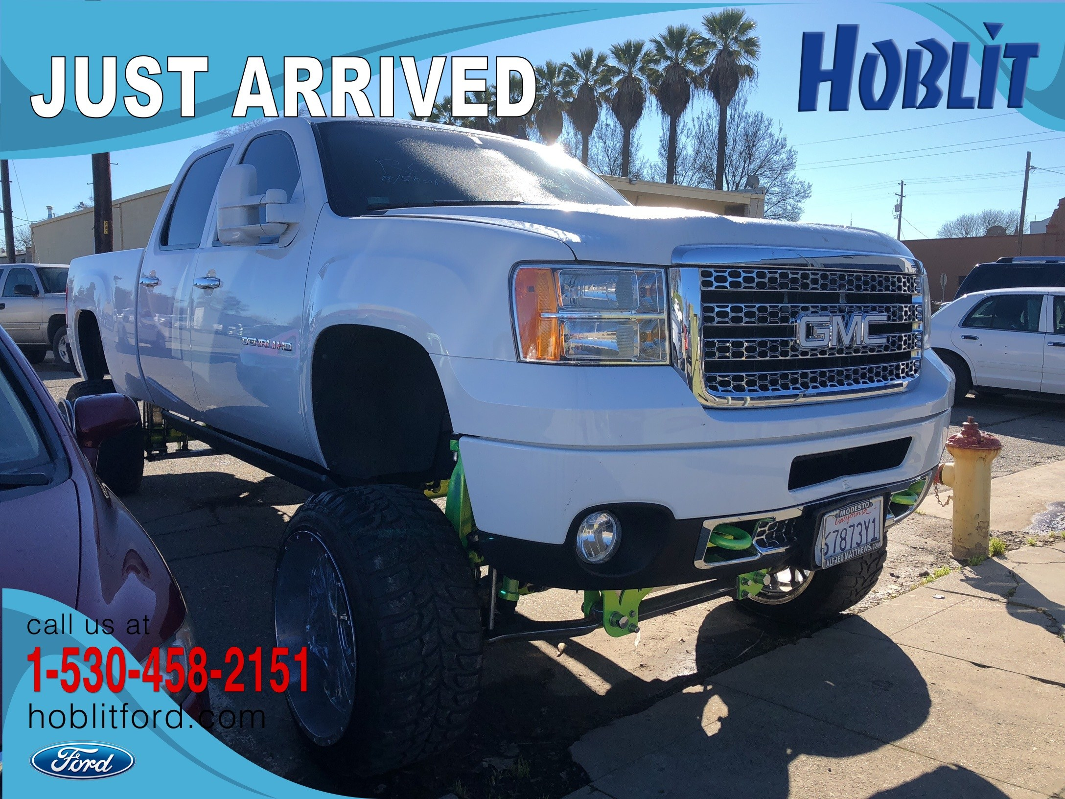 Photo 2011 GMC Sierra 2500HD Denali Crew Cab 4x4 Duramax w Lift Kit