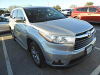 2016 Toyota Highlander LE Plus V6 Power Seat, Power Liftgate & Backup Cam SUV Front-wheel Drive 4-door