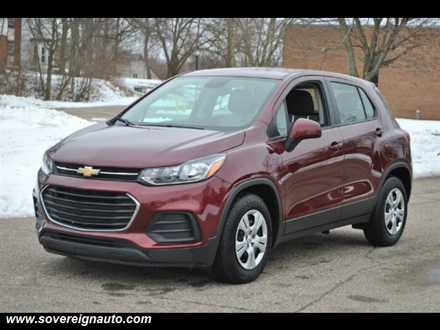 Photo 2017 Chevrolet Trax LS for sale in Flushing MI