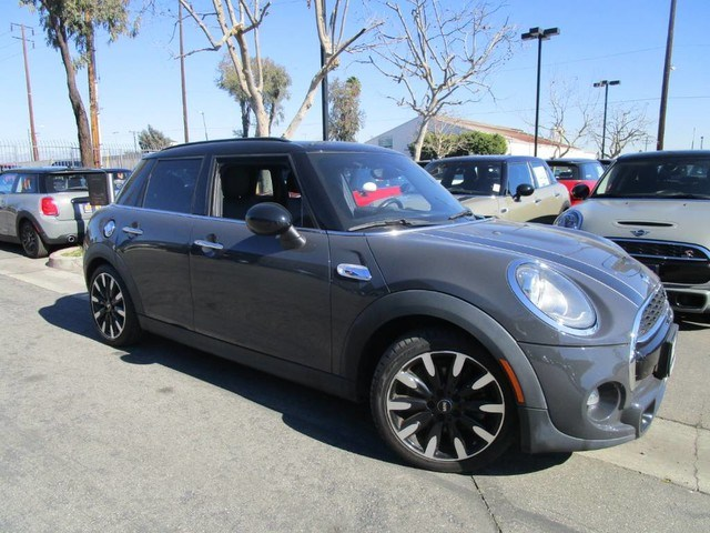 Photo 2016 MINI Cooper Hardtop 4 Door Cooper S Hardtop