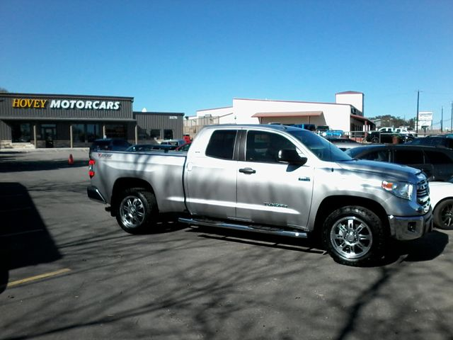 Photo 2017 Toyota Tundra 4x4 SR5 TSS Off Road PKG 4X4